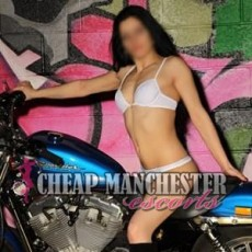 Andreea Hot and Young Escorts in Manchester