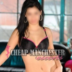 Yasmin Hot and Young Escorts in Manchester